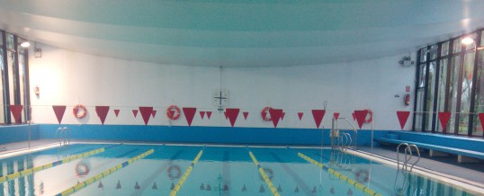 Nuevas plazas y sorteo como garantía de igualdad en los cursillos de la piscina municipal